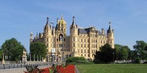 Schloss_Schwerin_1024x513