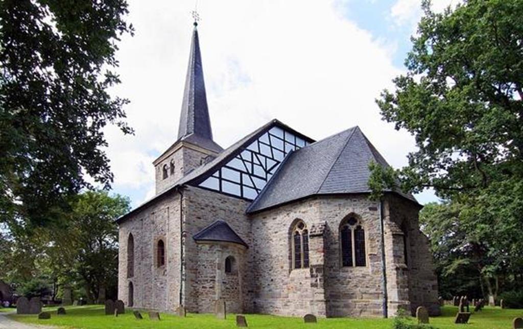 Dorfkirche-Stiepel-1