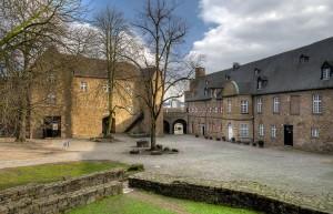 Schloss-Broich-1